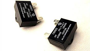 如何选择CBB61电机启动电容器的运行温度?