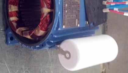 哪些因素会导致交流电机电容器损坏?