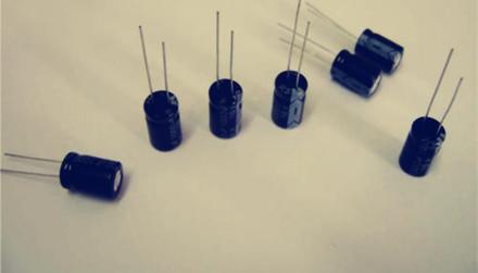 电机启动电容器在电路中的作用及使用注意事项